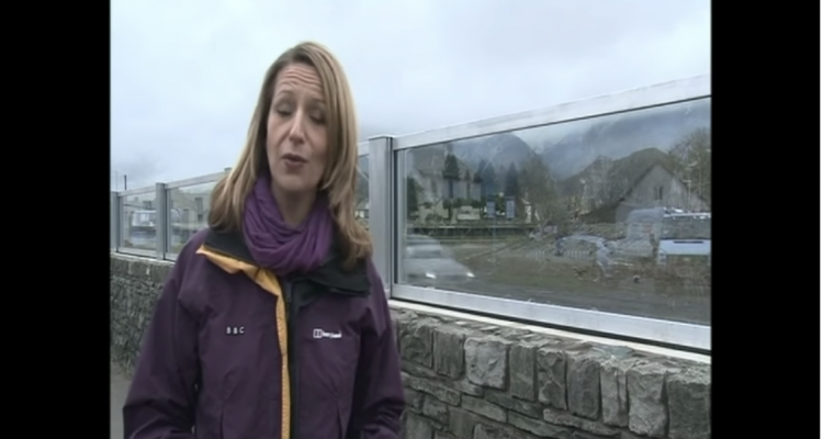 Innovative Glass Wall Preserves Views Of Keswick