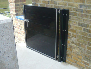 Single aluminium flood gate